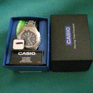 New Men's Casio Watch